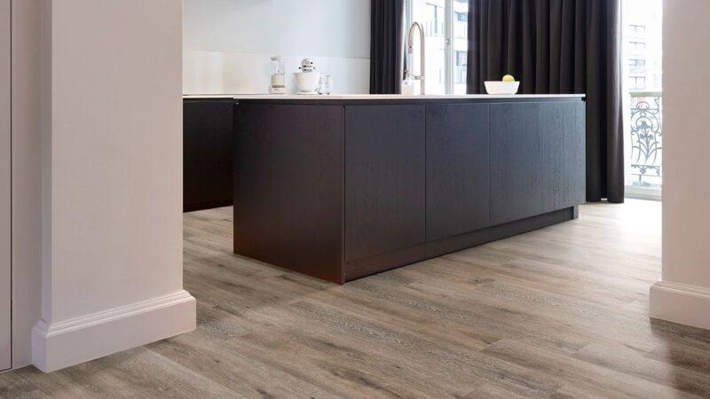 50LVPE854-evp-vinyl-flooring-roomscene