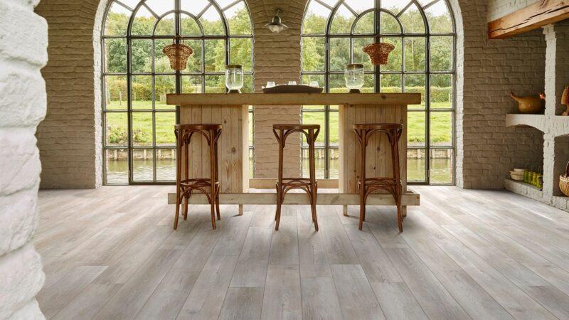 50LVPE855-evp-vinyl-flooring-roomscene