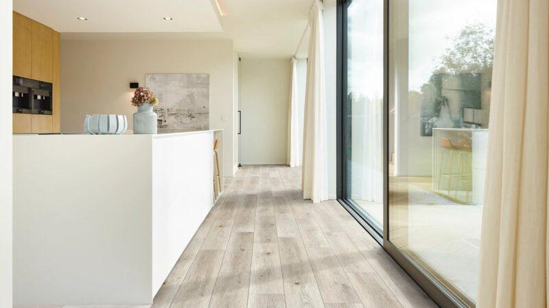 50LVPE859-evp-vinyl-flooring-roomscene